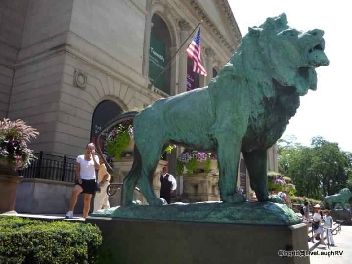 Art museum lions