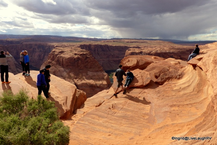 plan on sharing the scenery at Horseshoe Bend