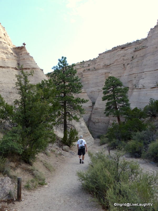 the beginning of the Slot Canyon Trail