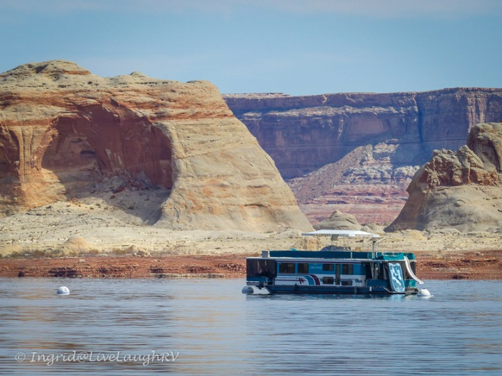 houseboats on Lake Powell