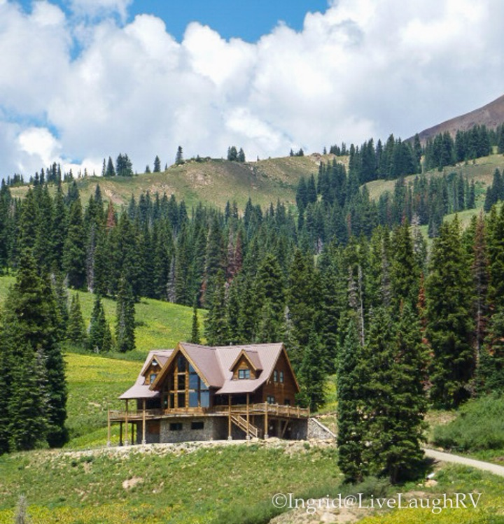 mountain homes near Crested Butte Colorado