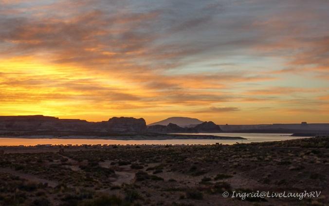 sunrise at Lake Powell