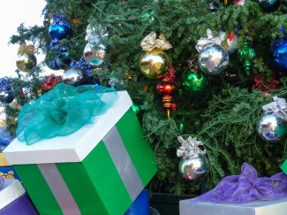 holiday decorations in Arizona