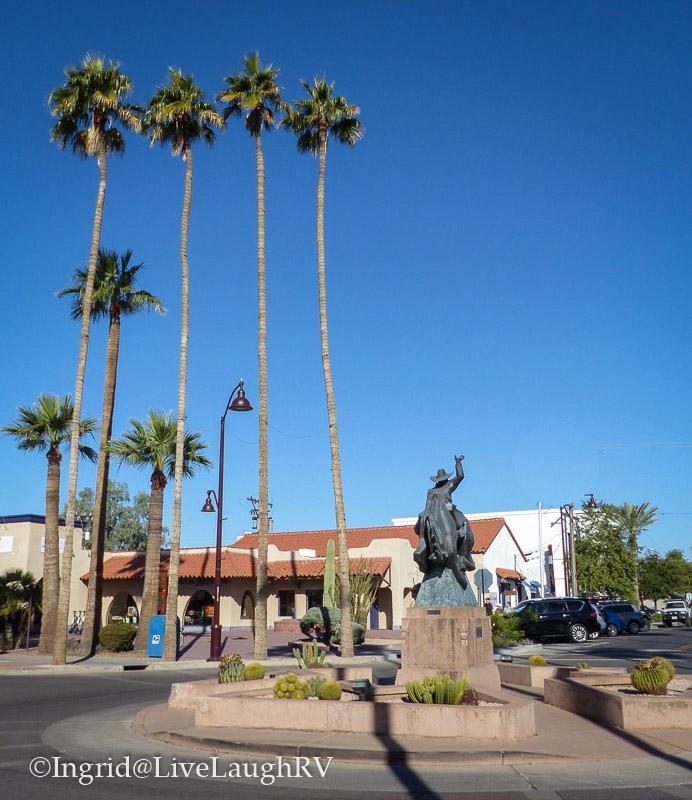 Jack Knife sculpture Scottsdale Arizona art district