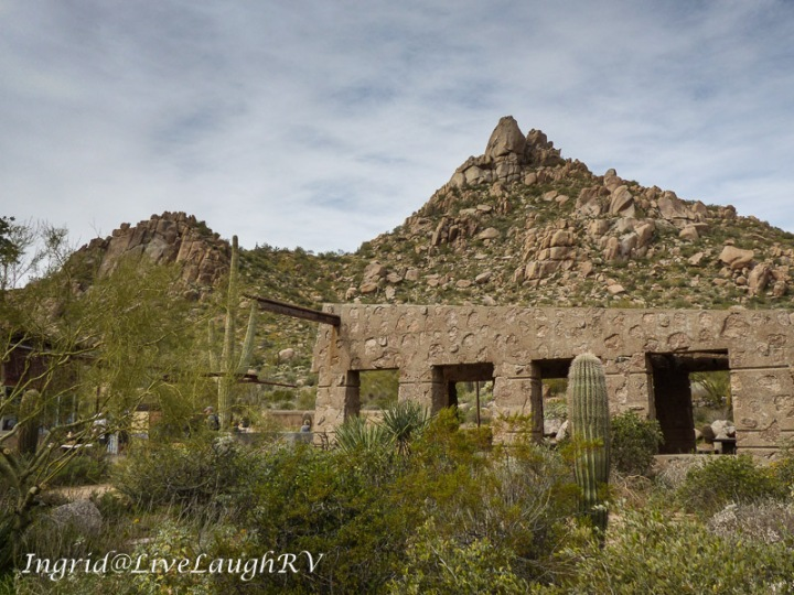 Pinnacle Peak trailhead in Scottsdale, AZ