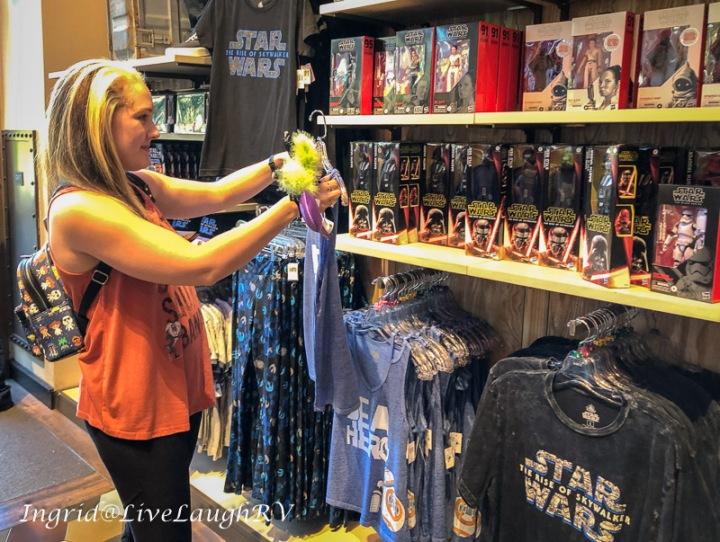 shopping in Disneyland