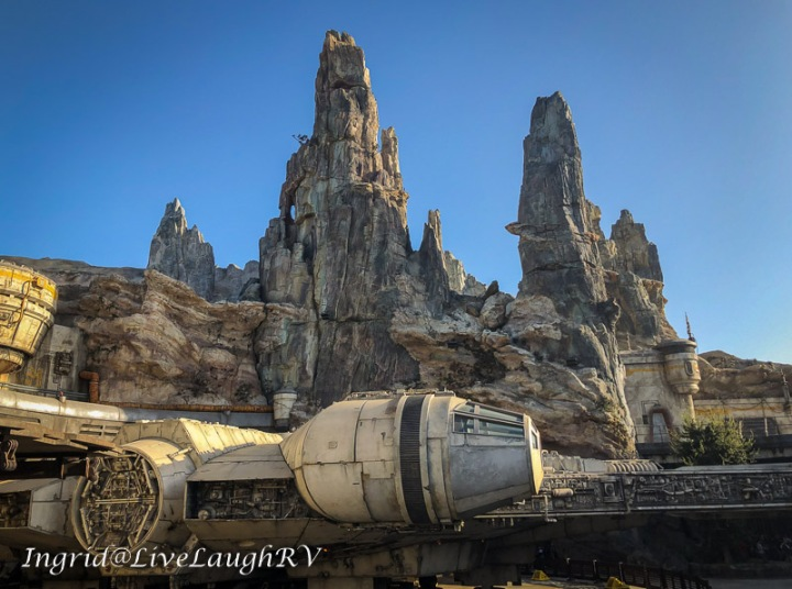 Disneyland Star Wars Galaxy's Edge the Millenium Falcon