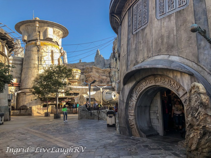 Disneyland Star Wars Galaxy's Edge